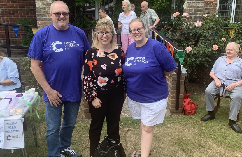 Maria Caulfield MP at Threeways Nursing Home garden party in aid of Cancer Research